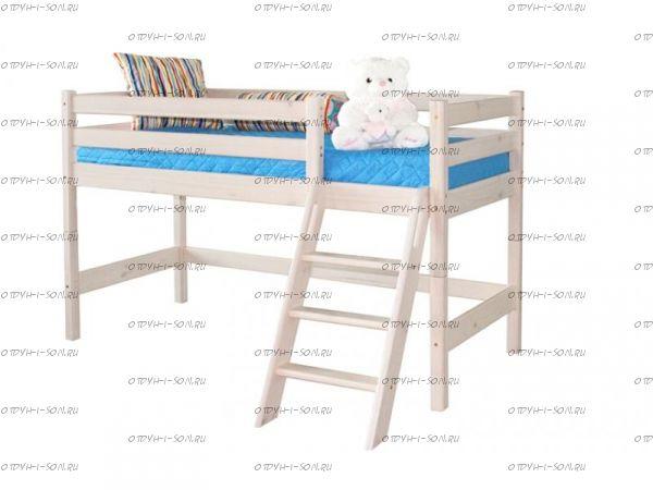 Кровать-чердак низкая Соня12 с наклонной лестницей массив